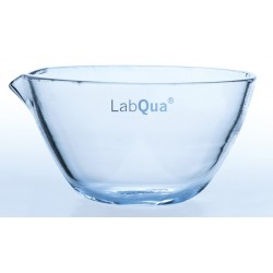 Evaporating dish quartz glass 60 ml with spout DIN12336